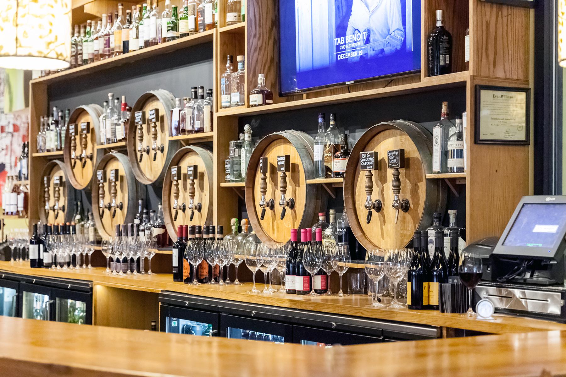 Outstanding restaurant bar design plans pictures best for Custom wine bar