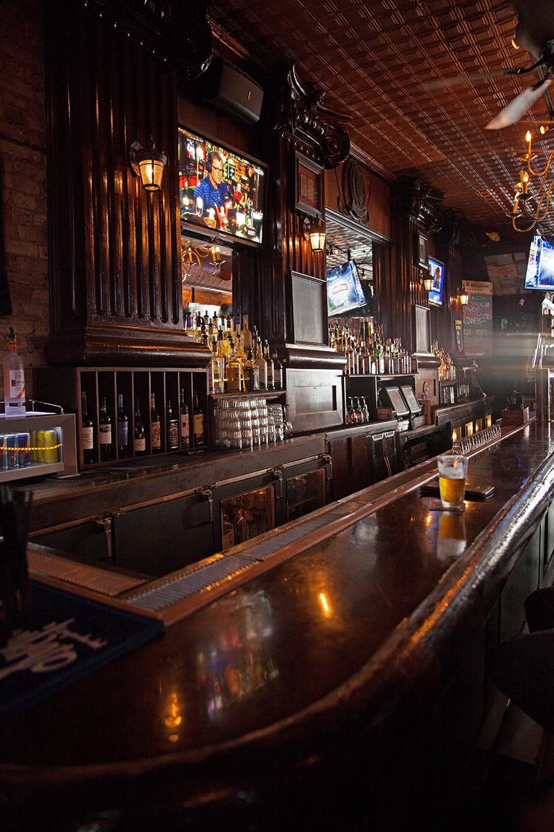 Declan's Irish Pub bar